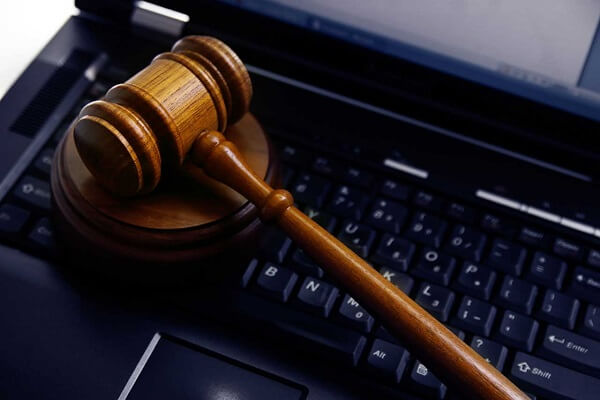 bilişim ve e-ticaret hukuku